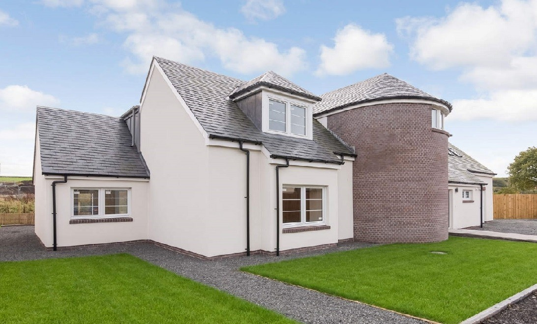 Contemporary House With a Traditional Twist For Sale in Carnock