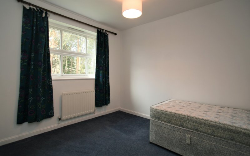 Queen Margaret Close - Bedroom 1