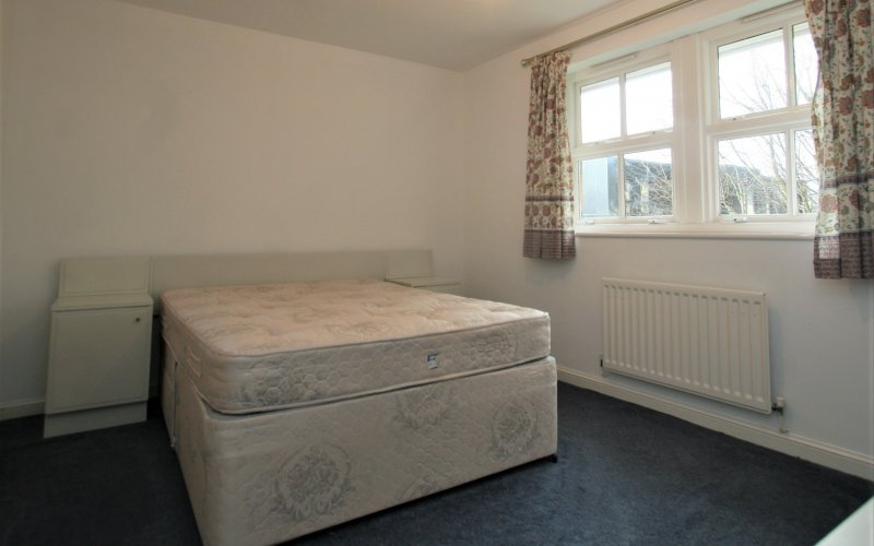 Queen Margaret Close - Bedroom 2