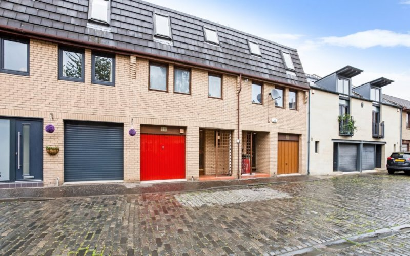 14c, Merchiston Mews, EDINBURGH, EH10 4PE