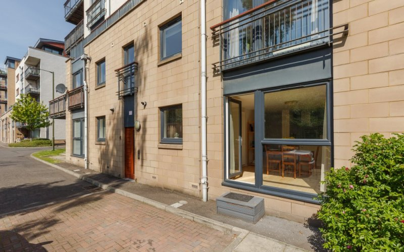 4, Flat 2, East Pilton Farm Crescent, Edinburgh, EH5 2GH