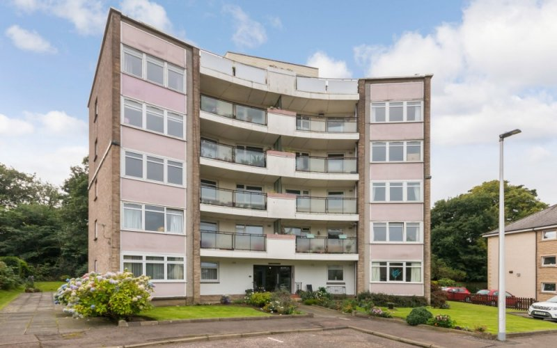 15 Woodland Court, 44 Barnton Park Avenue, Edinburgh, EH4 6EY
